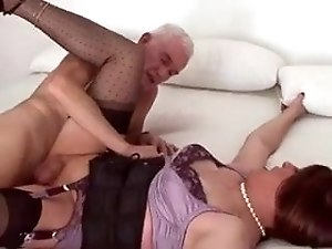 old guy fucks crosdresser and gives him a facial